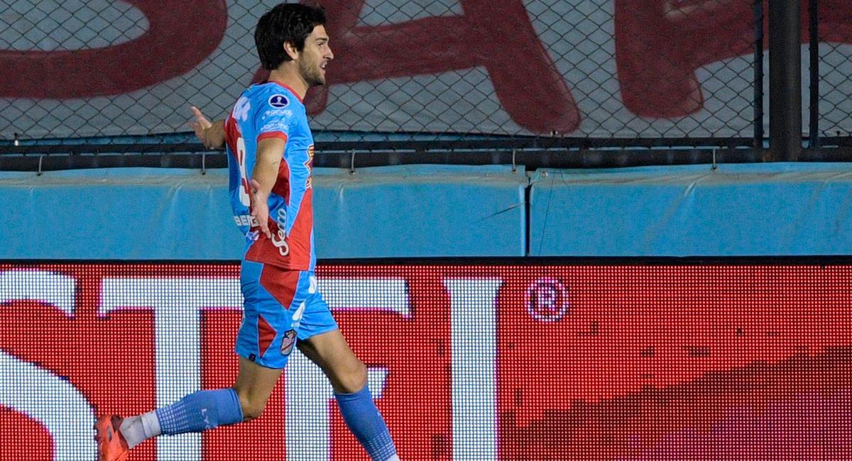 Lucas Albertengo iguala la serie contra Sporting Cristal en 52 minutos. Foto: Twitter @SudamericanaBR