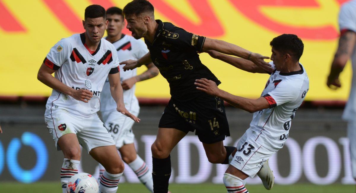 Newells Old Boys supo complicar a Colón. Foto: Twitter Liga Profesional de Argentina