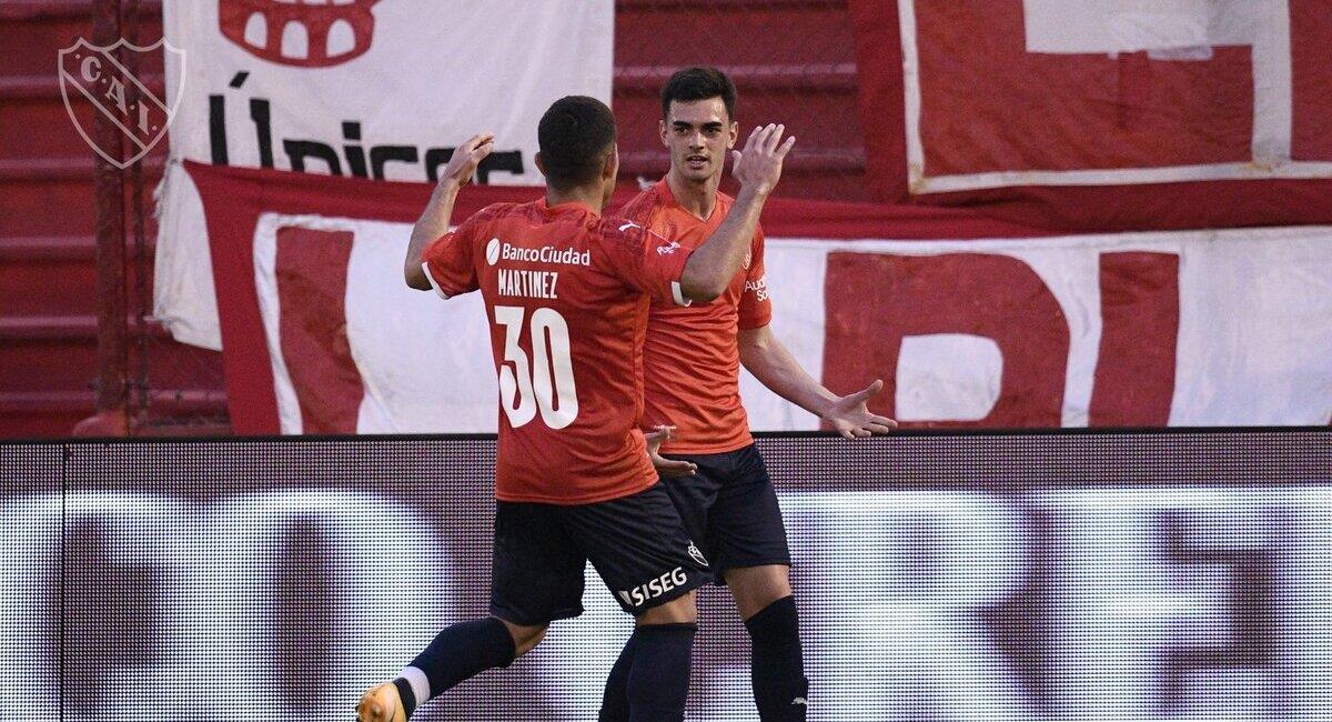 El Rojo derrotó a Huracán. Foto: @Independiente