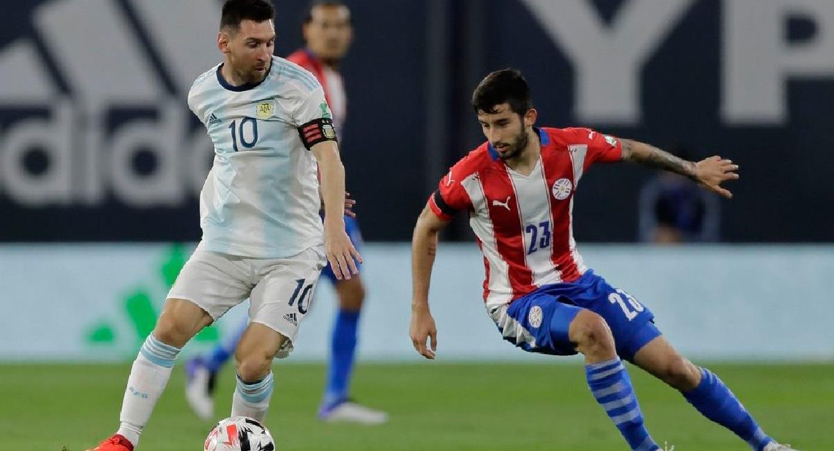 Argentina visitará a Paraguay en Asunción con presencia de hinchas. Foto: EFE