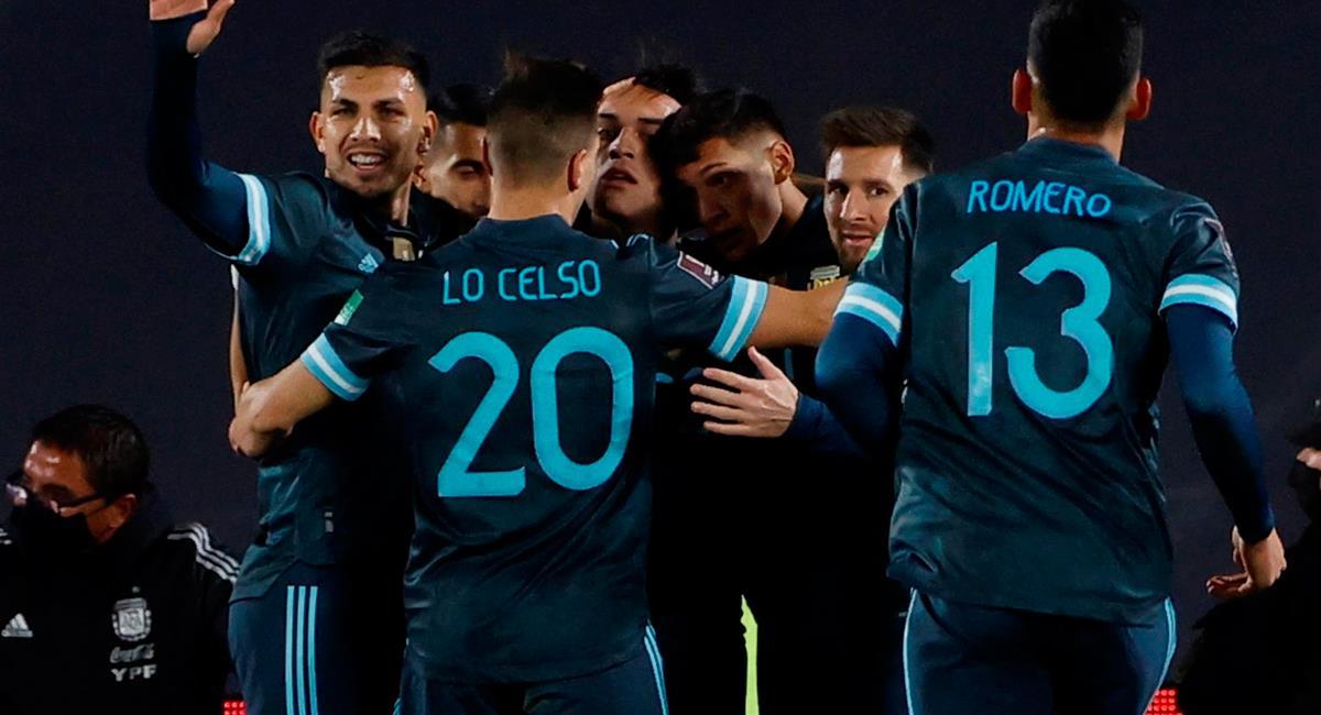 Argentina celebra en el gol de Lautaro Martínez. Foto: EFE
